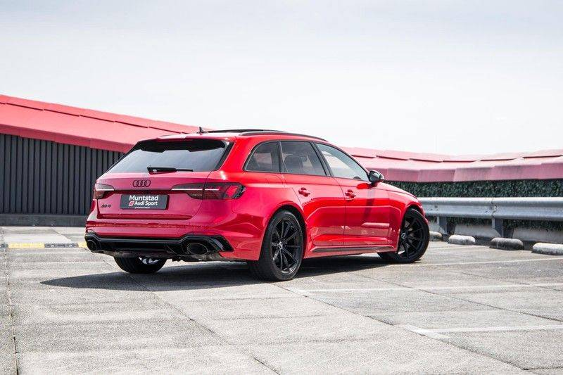 Audi RS4 Avant 2.9 TFSI quattro   450PK   Sportonderstel Plus   Panoramadak   Inleg Carbon   B&O   Sportdifferentieel   Head-up afbeelding 5