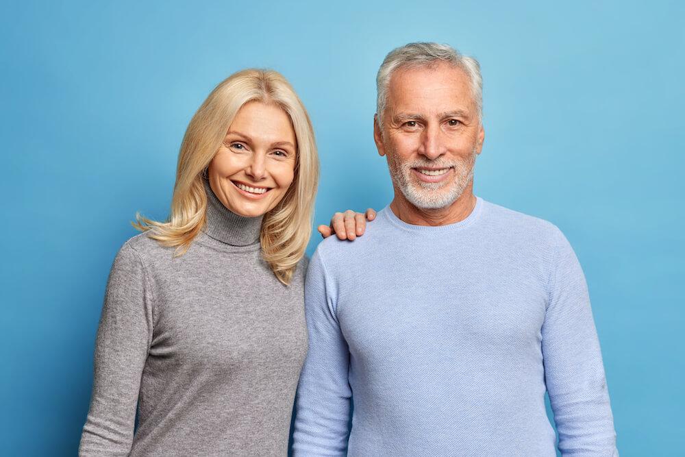 Älteres Immobilienbesitzer Paar
