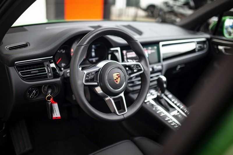 """Porsche Macan 3.0 S *Pano / 21"""" / Memory / DAB+ / Luchtvering / Rijbaanassistent* afbeelding 9"""