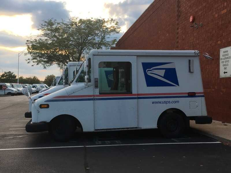 Машина для развозки почты в Америке