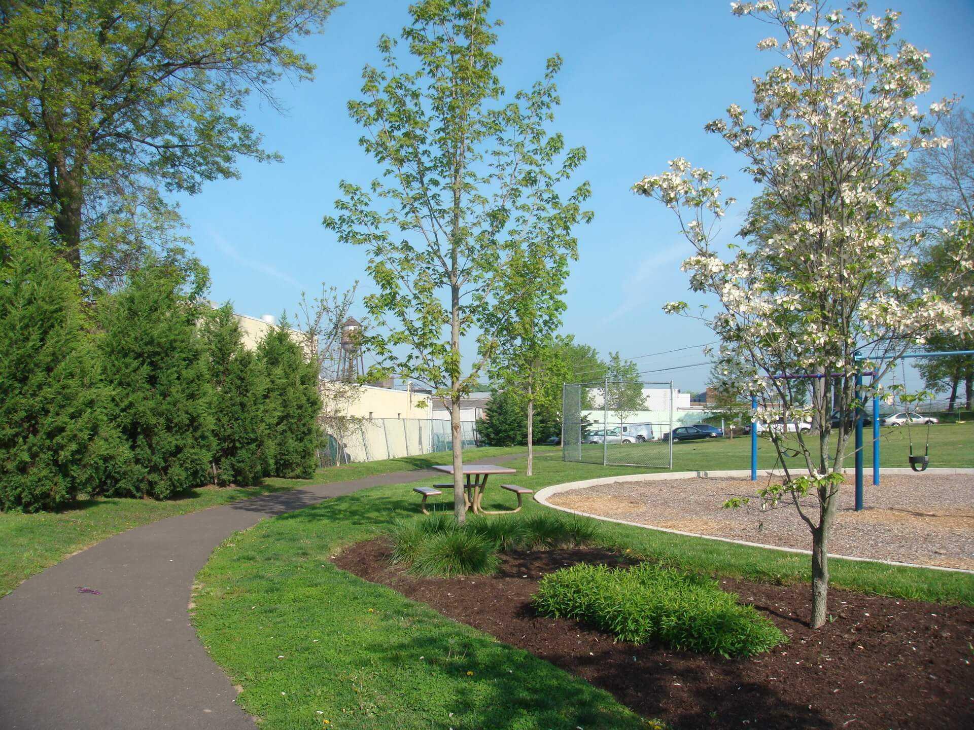 pathway around Tanner Park