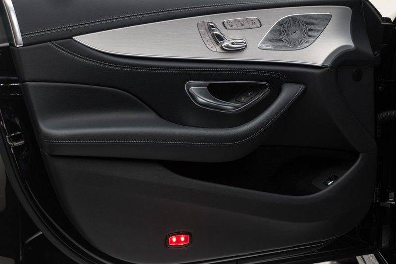 "Mercedes-Benz CLS-Klasse CLS450 AMG 367pk 4Matic Schuifdak Nightpakket Widescreen DistronicPlus Burmester SuperSportStuur Luchtvering Multibeam Keyless ComandOnline AmbientLight DAB Parktronic 20""AMG 360Camera Pdc 10/2018 afbeelding 13"