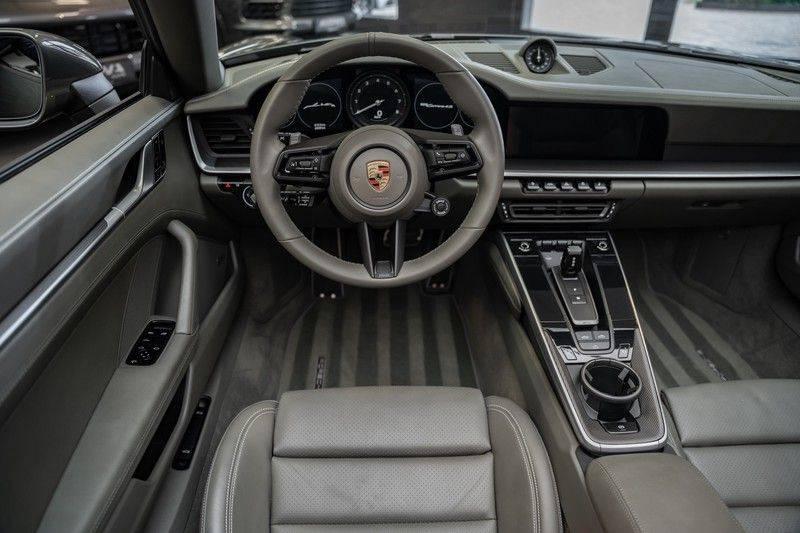 Porsche 911 992 4S Cabrio Unieke Kleurstelling Sport Design Pakket Matrix Carbon 3.0 Carrera 4 S afbeelding 7