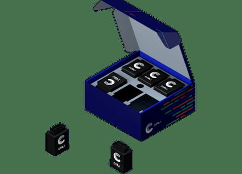 Caixa da Cobli com os dispositivos OBD