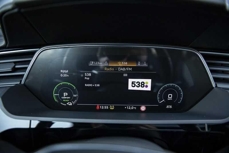 "Audi e-tron e-tron 55 quattro advanced Pro Line S 4% bijtelling!! DEC. 2018!! € 146,- netto bijtelling pm! Head-up + B&O etc. Tot januari 2024 4% bijtelling!! Prijs inclusief 22"" velgen afbeelding 19"