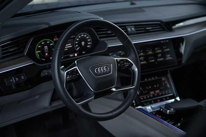 Audi E-tron 55 quattro Advanced Pro Line S NOVEMBER 2018!! € 146,- netto bijtelling pm! 4% bijtelling!! Massage + Head-up + Stoelkoeling afbeelding 22