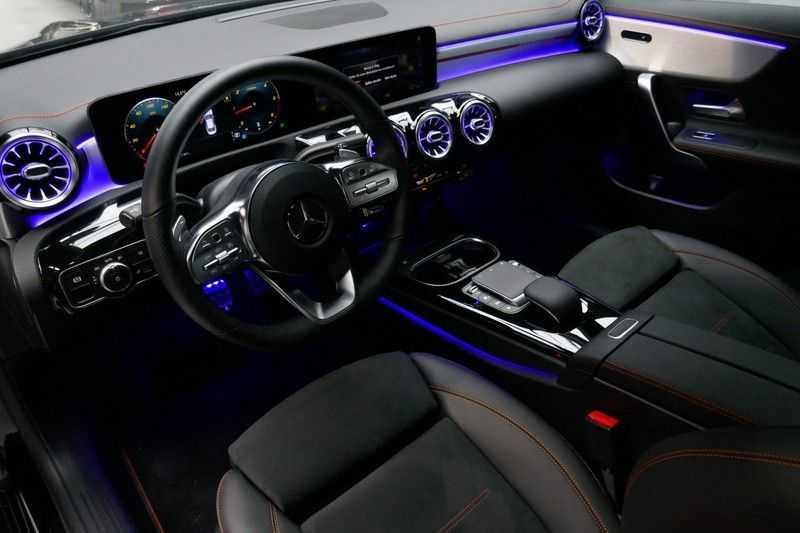 Mercedes-Benz CLA-Klasse 200 d /// AMG Edition 1 Nightpakket - Sfeer verlichting afbeelding 16