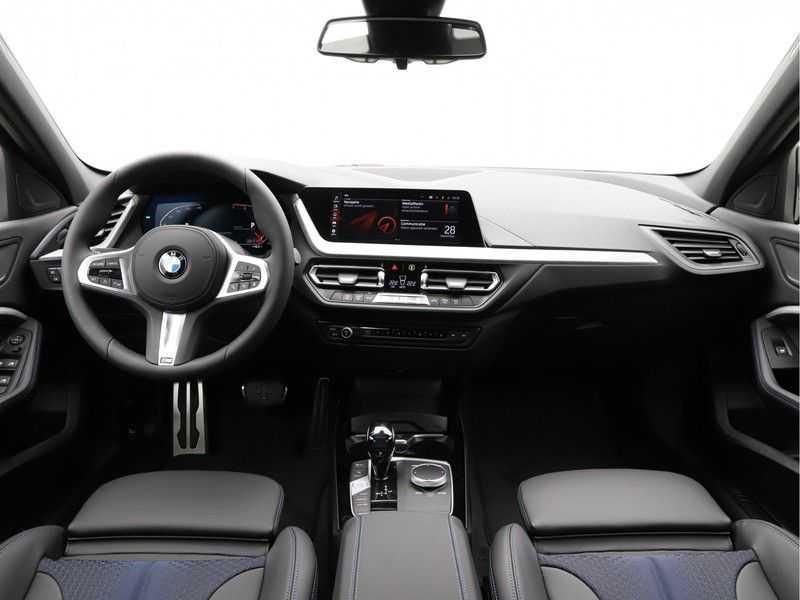 BMW 1 Serie 118i Corporate Executive M Sport afbeelding 8