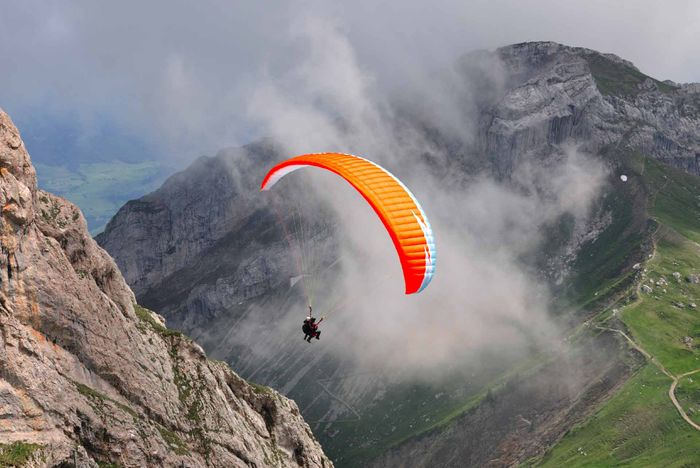 Paragliding Swiss Alps