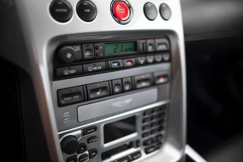 Aston Martin V12 Vanquish 5.9 *Absolute nieuwstaat!* afbeelding 18