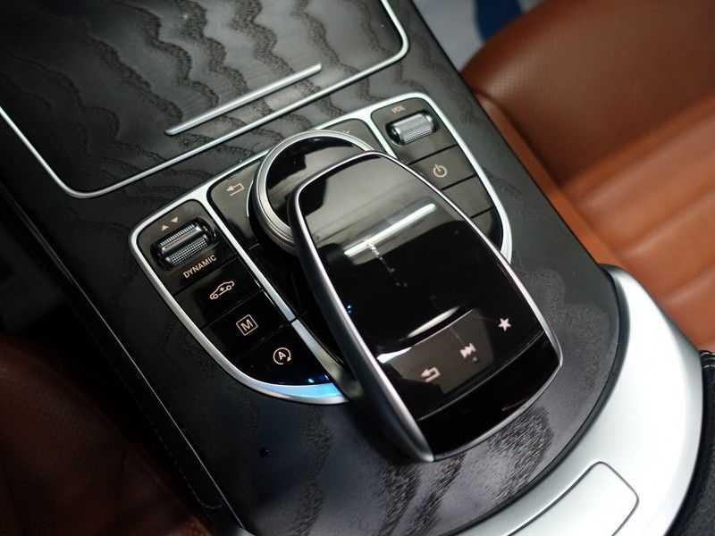 Mercedes-Benz GLC 250D 4MATIC 240PKpk 9G-Tronic AMG Edition- Panodak, Burmester, Leer afbeelding 21
