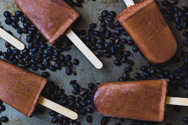 Vegan mocha fudge popsicles