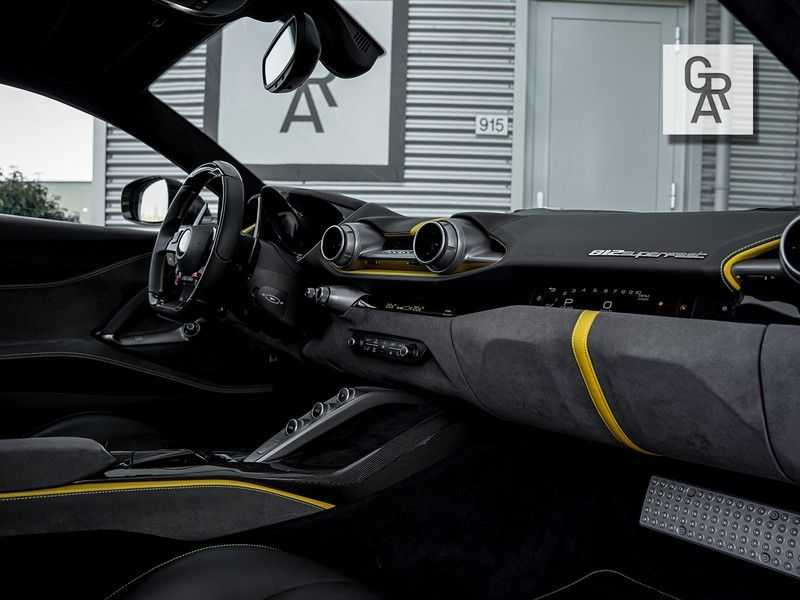Ferrari 812 Superfast 6.5 V12 HELE   Daytona Carbon Seats   Lift   afbeelding 16
