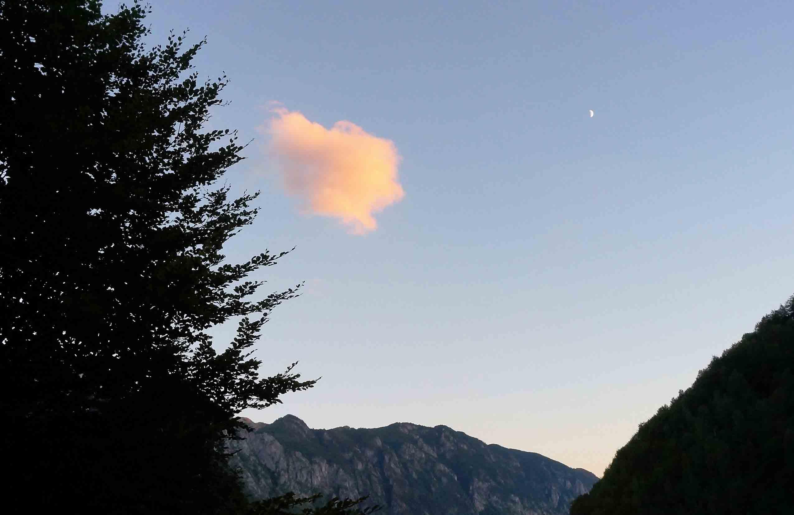 Sate izolate în Valea Cernei