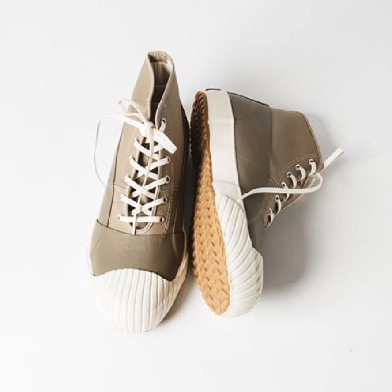 Moonstar Factory, l'art des sneakers en caoutchouc vulcanisé