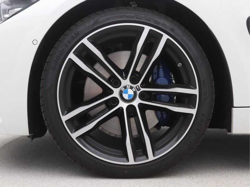 BMW 4 Serie Gran Coupé 420i High Executive M-Sport Automaat afbeelding 15