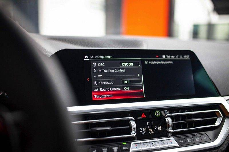 BMW M3 Competition G80 *HUD / M Driver's Pack / Laser / Keramisch / Harman-Kardon / Schaalstoelen* afbeelding 20