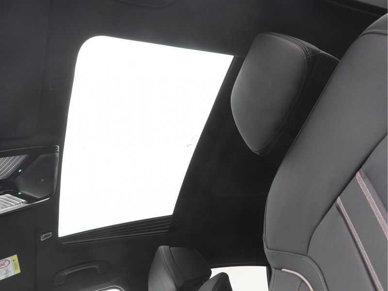 BMW 5 Serie Sedan 530i High Executive M-Sport Automaat afbeelding 14