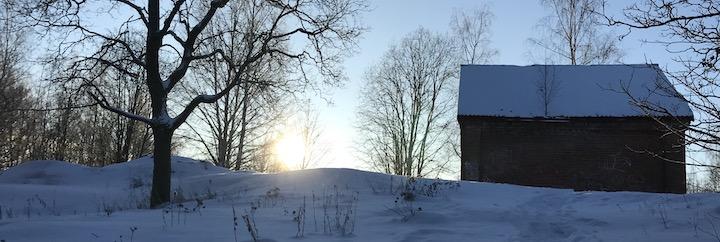 Auringonnousu mäellä