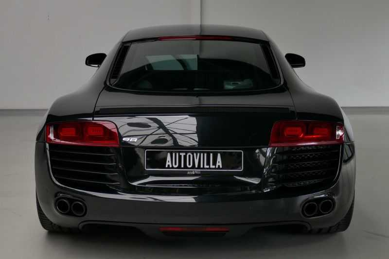Audi R8 4.2 V8 FSI Quattro Black Edition afbeelding 5