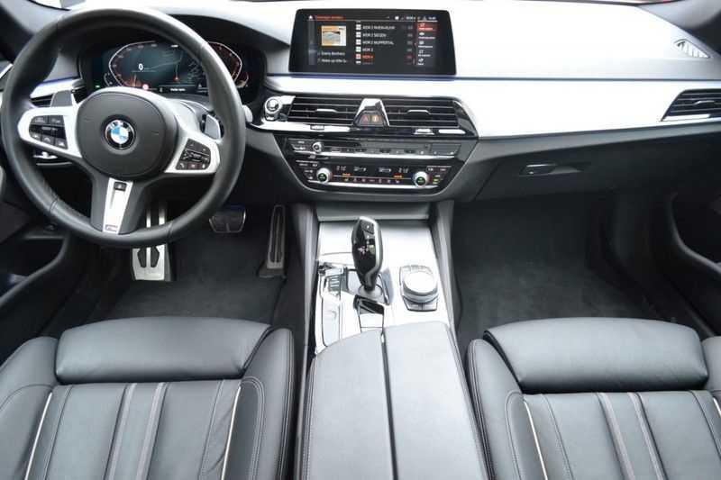 BMW 5 Serie 530i High Executive M-Sport / Pano Dak / ACC / Hud afbeelding 10