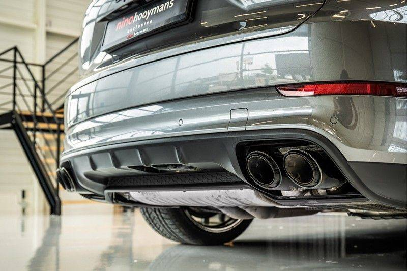 Porsche Cayenne 4.0 Turbo   Head-Up   Carbon   Panorama   3D Camera   BOSE   Trekhaak   Afwijkende stikselkleur   Stoelventilatie   NP 252.000! afbeelding 6