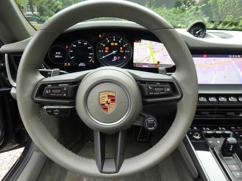 Porsche 992 Cabrio 3.0 Carrera 4S afbeelding 14