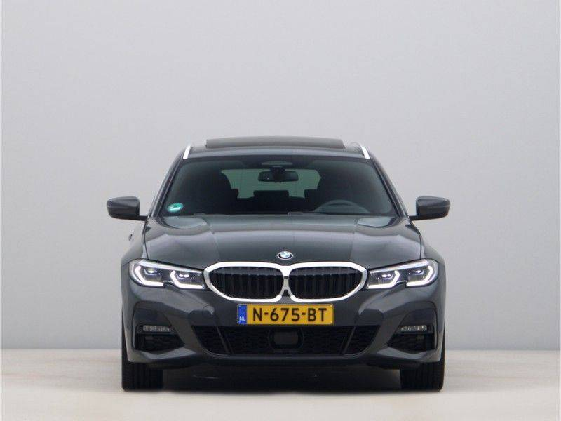 BMW 3 Serie Touring 330e xDrive High Executive Model M Sport afbeelding 6