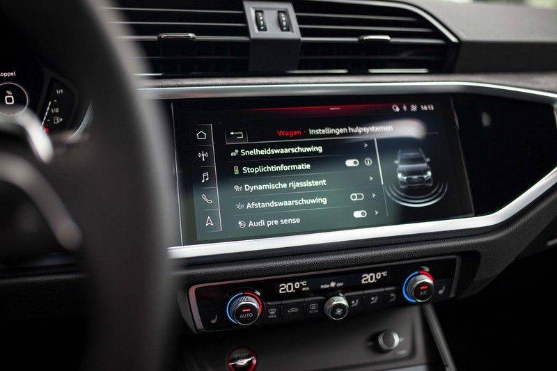 Audi RS Q3 2.5 TFSI Quattro *B&O / Pano / ACC / RS Sportstoelen / Sportuitlaat / Trekhaak* afbeelding 19