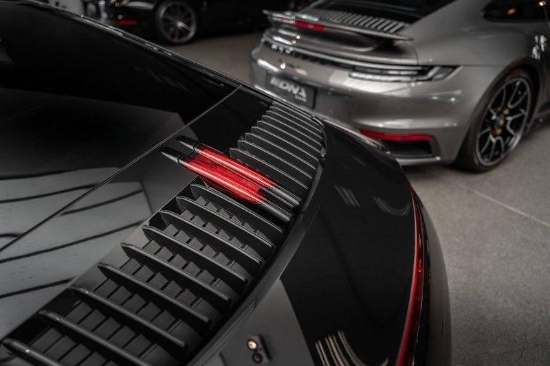 Porsche 911 992 S Coupe Akrapovic Race Cat Sport Chrono Pano Sport Uitlaat Adatieve Sportstoelen 3.0 Carrera S afbeelding 13