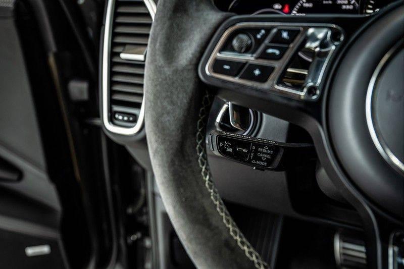 Porsche Cayenne 4.0 Turbo   Head-Up   Carbon   Panorama   3D Camera   BOSE   Trekhaak   Afwijkende stikselkleur   Stoelventilatie   NP 252.000! afbeelding 15