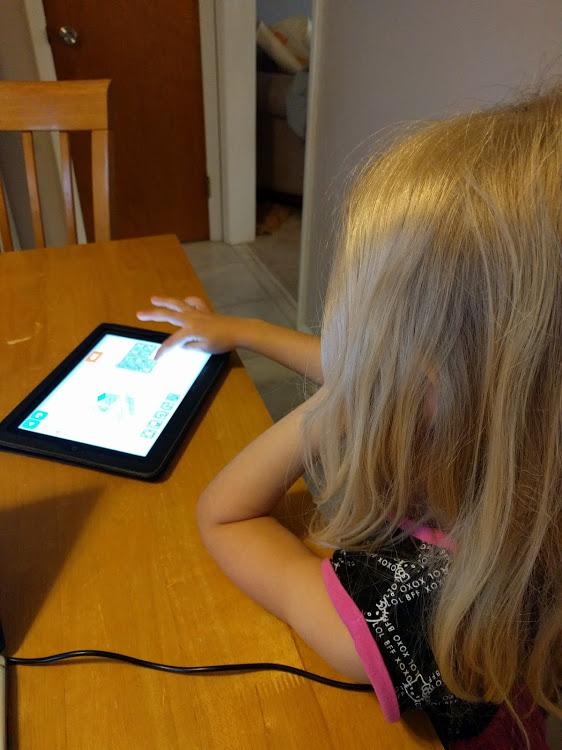 Kindergartner Lightbot app