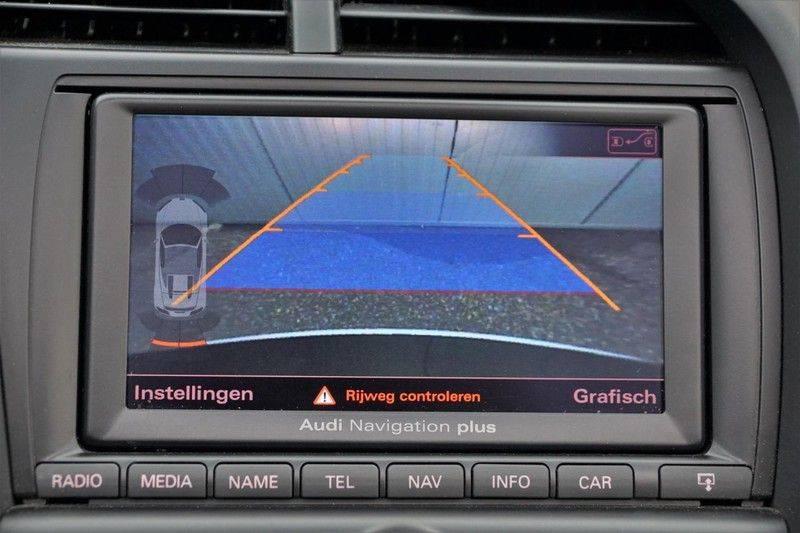 Audi R8 Spyder 5.2 V10 FSI / Akrapovic / Carbon Pack / B & O / Ceramic / Camera / Audi Exclusive / Cruise afbeelding 22