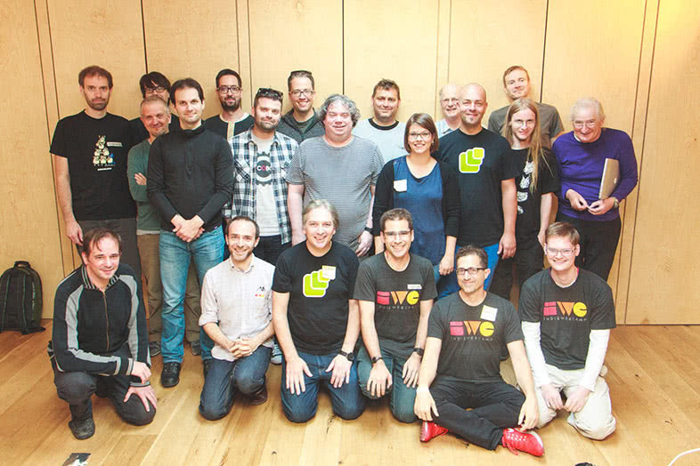 hoto of the IndieWebCamp Brighton 2016's attendees all together by Julie Anne Noying CC-BY/Flickr.