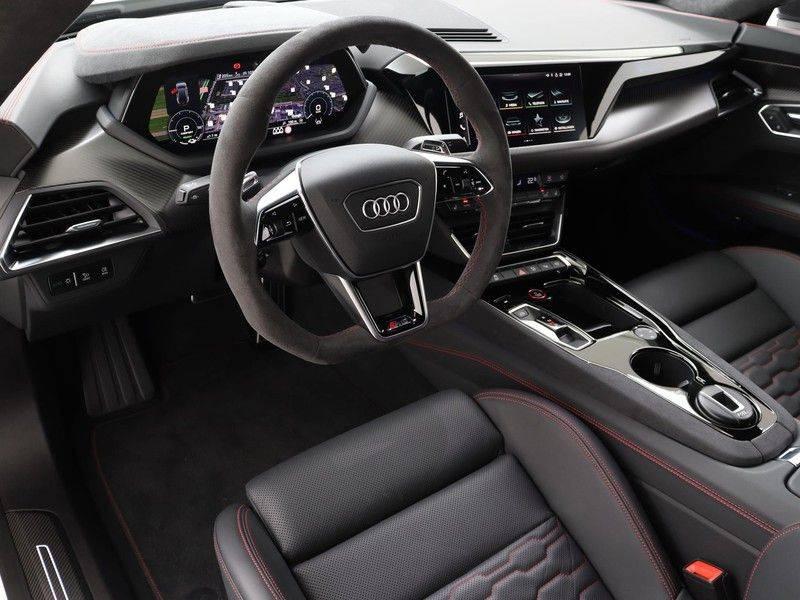Audi e-tron GT RS   Stoelventilatie/Massage   Head-Up   Carbon   Matrix LED   360 Camera   Nachtzicht   afbeelding 2