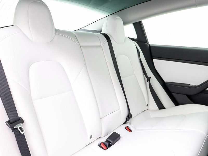 Tesla Model 3 Long Range All-Wheel Drive Performance Prijs is Incl. BTW   20'' grijze Performance-velgen   Performance upgrade   Performance remmen   Autopilot   afbeelding 23