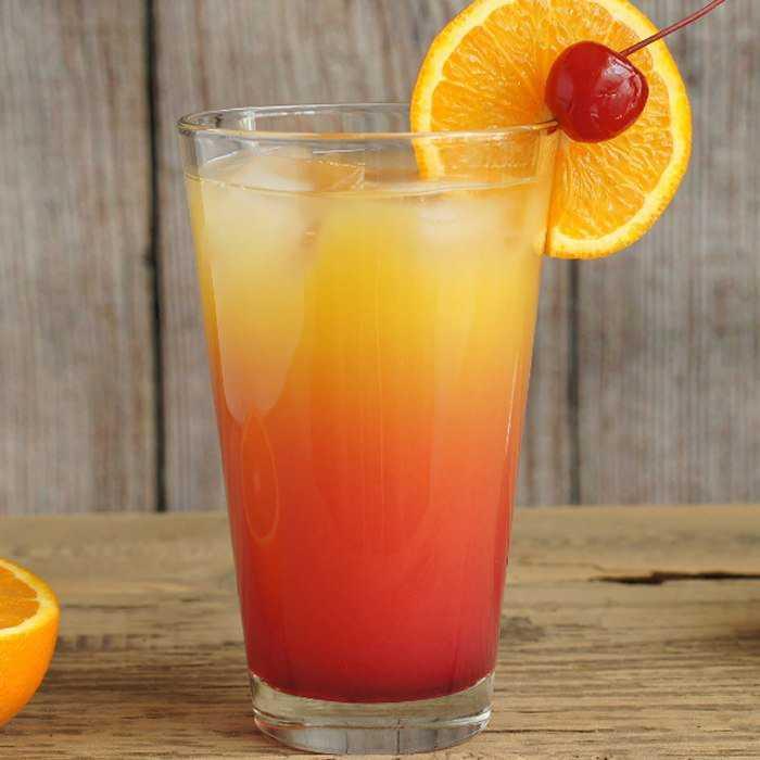 Amaretto Sunrise Cocktail