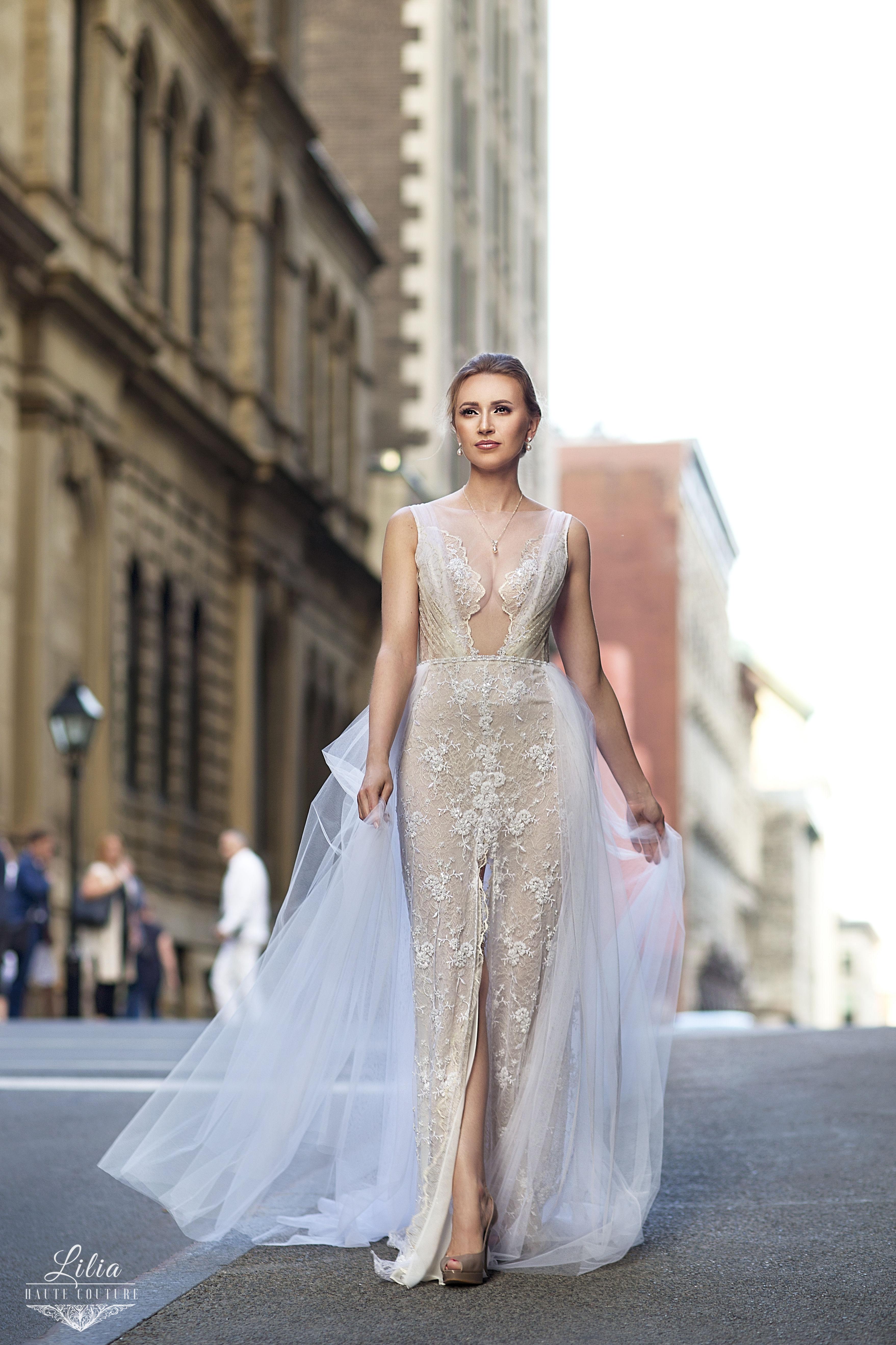 jupe en tulle avec ceinture perlee dentelle beige ivore robe lilia haute couture