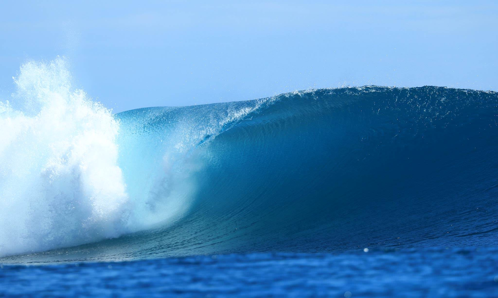 Crystal Clear Surf Charter Trips to Mentawai, Telos, Nias and Banyaks waves