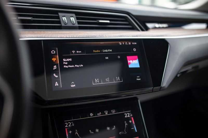 "Audi e-tron 55 Quattro *4% Bijtelling / Massage / HUD / Pano / 21"" / Hulppakket Stad & Tour* afbeelding 18"