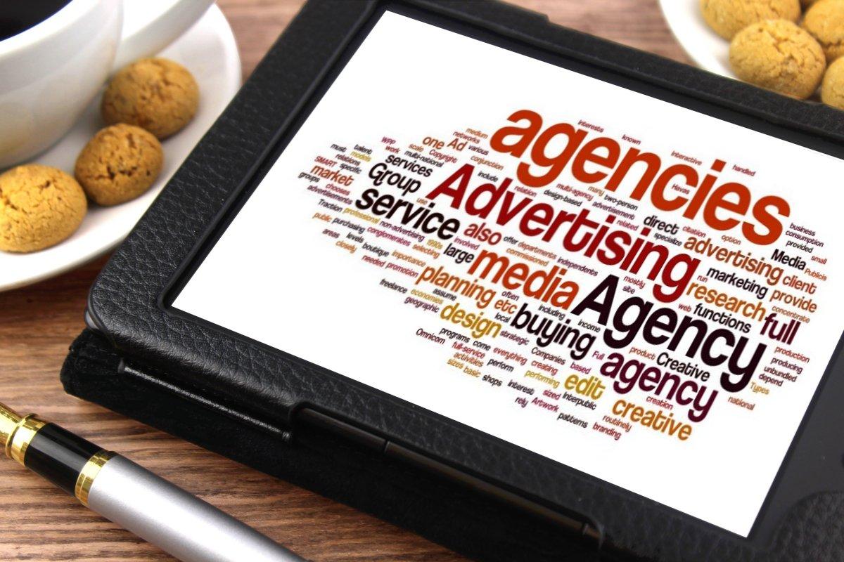 광고를 구성하는 수많은 키워드들. 출처: http://www.thebluediamondgallery.com/tablet/a/advertising-agency.html