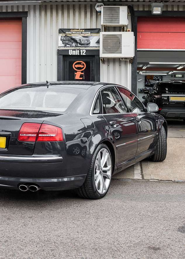Audi s8 car with untinted windows from back