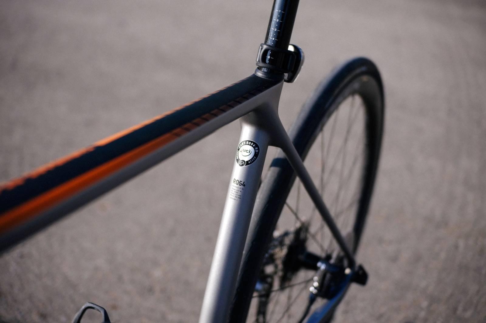 ท่อนั่งของจักรยาน Canyon Endurace CF SL
