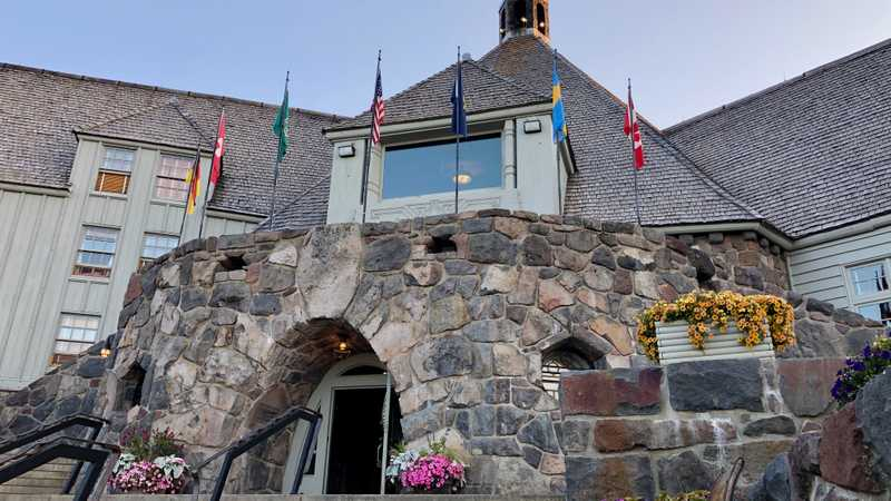 The main entrance of Timberline Lodge