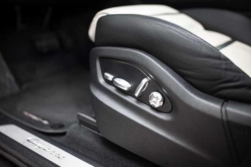 "Porsche Cayenne 3.0 E-Hybrid *Pano / BOSE / Massage / Stoelventilatie / 22"" / ACC / Sport Chrono* afbeelding 22"