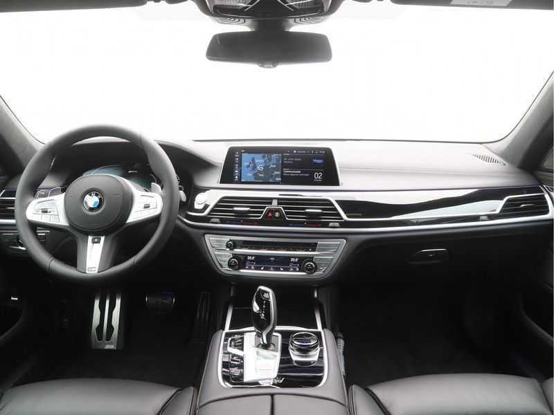 BMW 7 Serie 745e M Sport High Executive BEZICHTIGING OP AFSPRAAK afbeelding 12