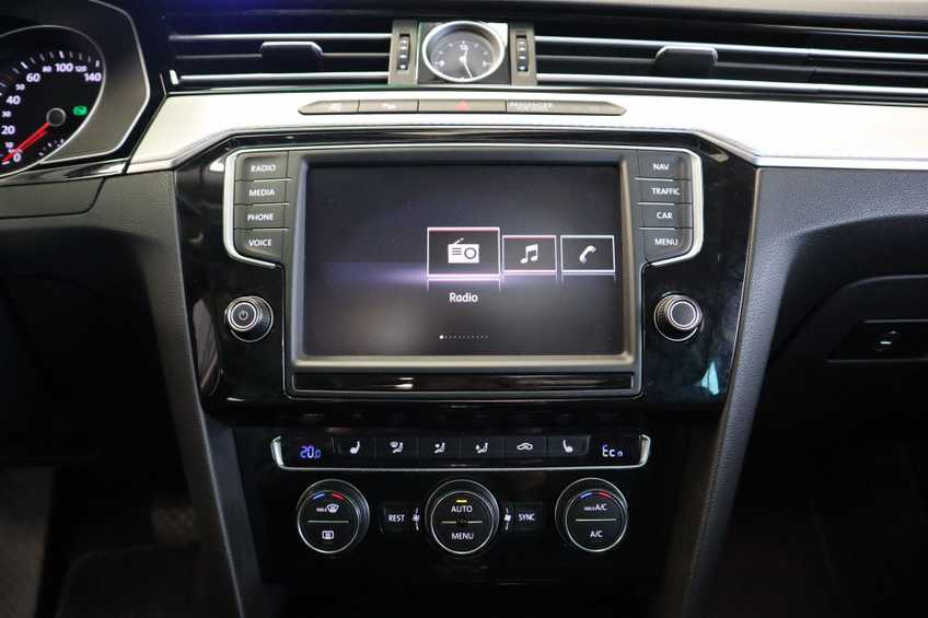 "Volkswagen Passat Variant 1.4 TSI GTE Highline Ex BTW! AD Cruise LED Leder 360 Camera HUD 20""LM afbeelding 29"