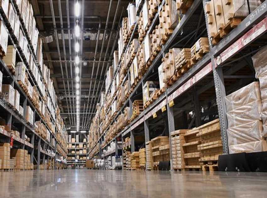 Accruent - Resources - Blog Entries - Retail Trends | Moving Distribution Centers to Storefronts - Hero