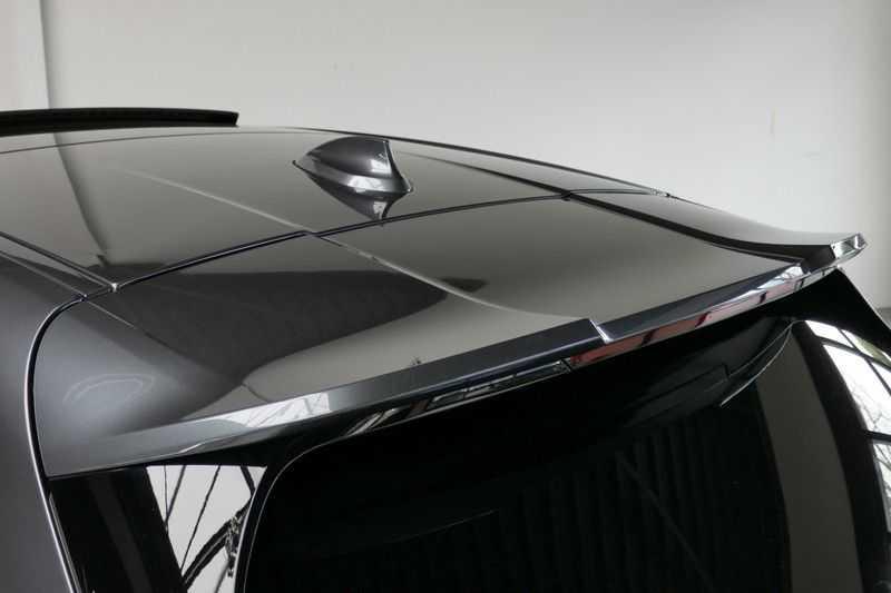 BMW 1 Serie M135i xDrive High Executive Virtual - Led - Panodak afbeelding 17