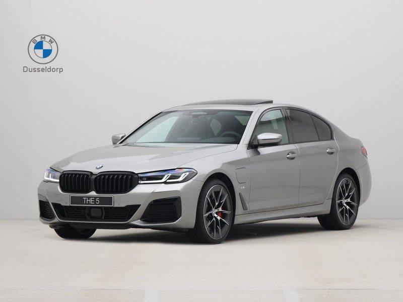 BMW 5 Serie Sedan 545e xDrive High Executive Edition afbeelding 1